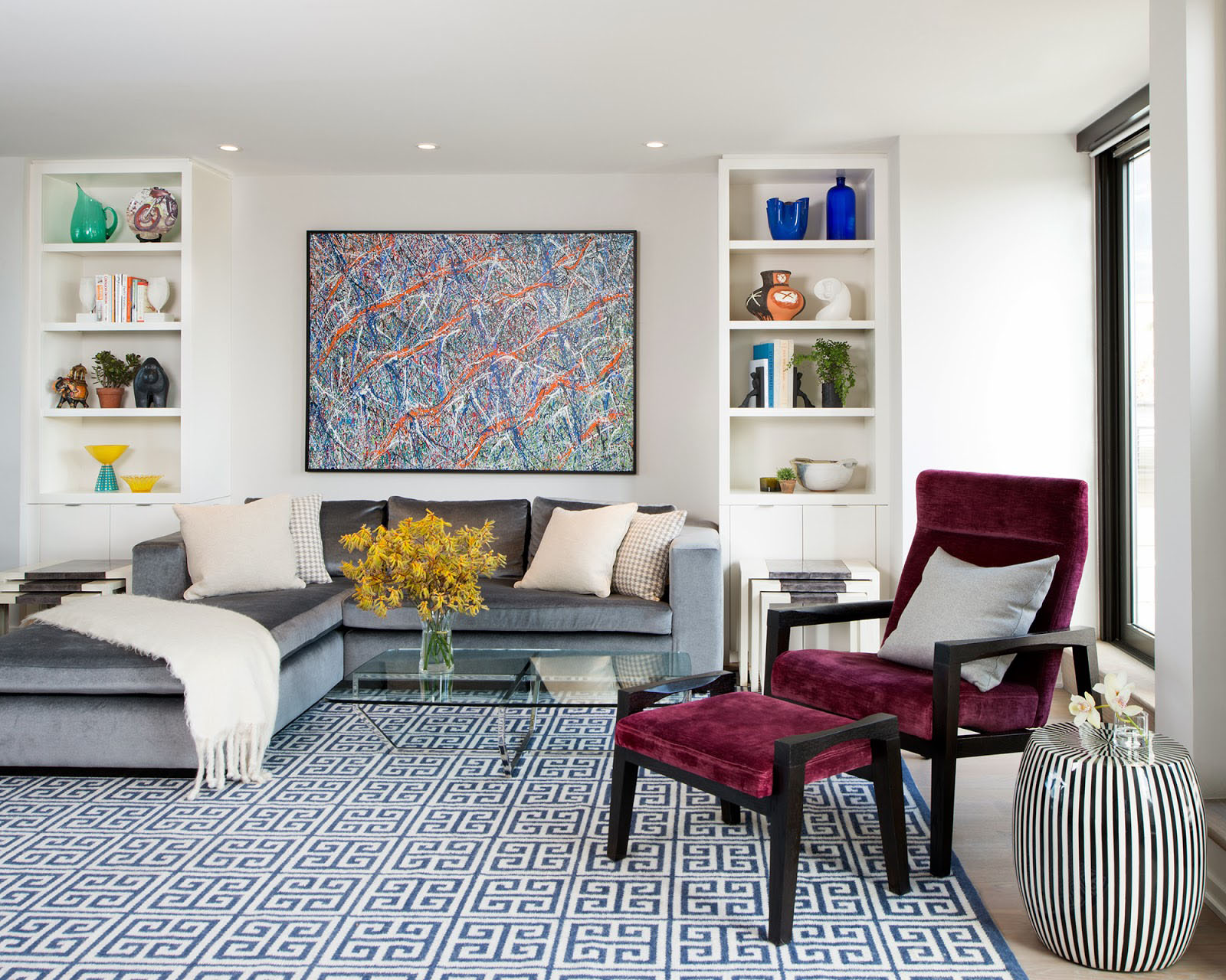 Exceptional Who Says Every Living Room Needs A Coffee Table? Clever Substitutes In  Small Living Rooms